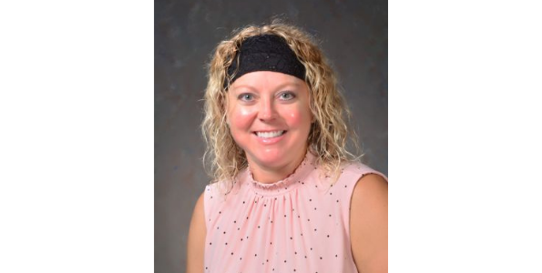 Staff Spotlight: Mrs. Simmons, Junior High Science Teacher at Salt Fork CUSD #512